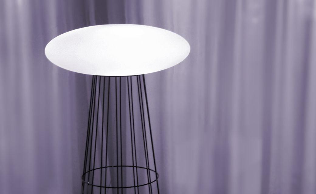 Lampa de picioare alternativă (148 cm) - OZN