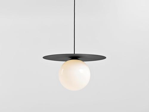 Lampă cu pandantiv SKIVA BALL L - neagră