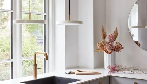 Lampă suspendată UMAGE Asteria mini perlă albă Ø31