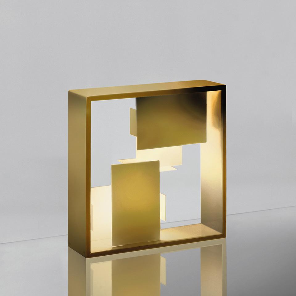 Lampa de masă Artemide FATO aur