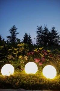 Set de trei lămpi moderne de grădină Luna bilă 20 cm, 30 cm, 40 cm, bile albe, luciu, becuri LED incluse small 6