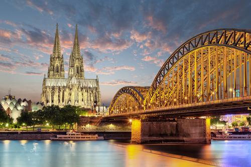 Cologne - mural mural Catedrala din Köln, Germania, apus de soare, pod peste râul Rin, oraș noaptea