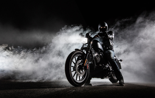 Fotomural mural motocicleta, ceata, tocator, filmare noaptea