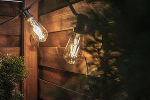 Bec decorativ cu filament cu LED-uri calde Vintage Amber 2000K 320lm 4W small 1