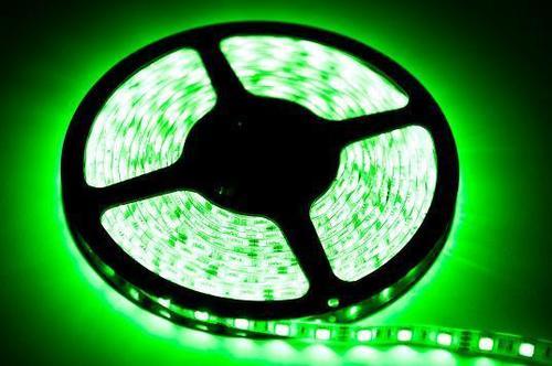 Benzi 60 LED 24 W. Culoarea verde. Ip65. (5 metri) IP65