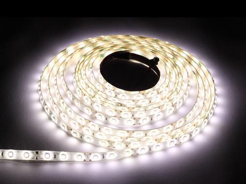 60 benzi LED 24 W. Culoare alb cald. Ip65. (5 metri) IP65